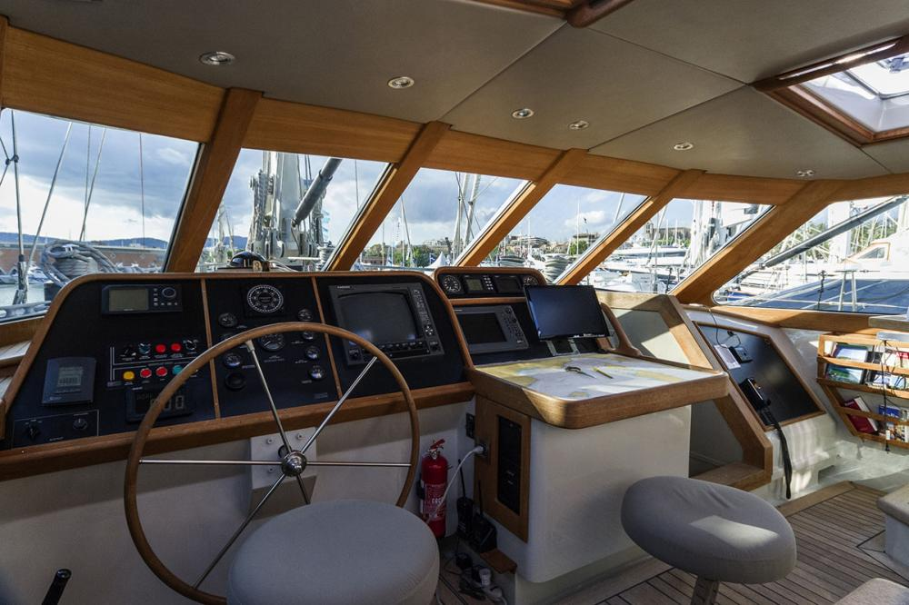 IEMANJA - Luxury Sailing Yacht For Sale - Bridge - Img 1 | C&N