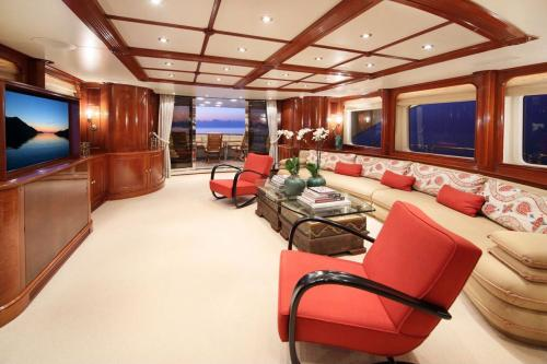 BRUNELLO - Luxury Motor Yacht For Charter - Interior Design - Img 5 | C&N