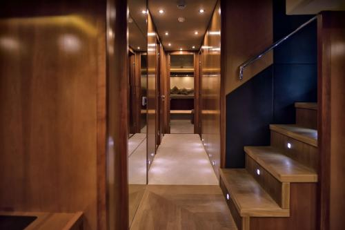 CASINO ROYALE - Luxury Motor Yacht For Charter - Interior Design - Img 5 | C&N