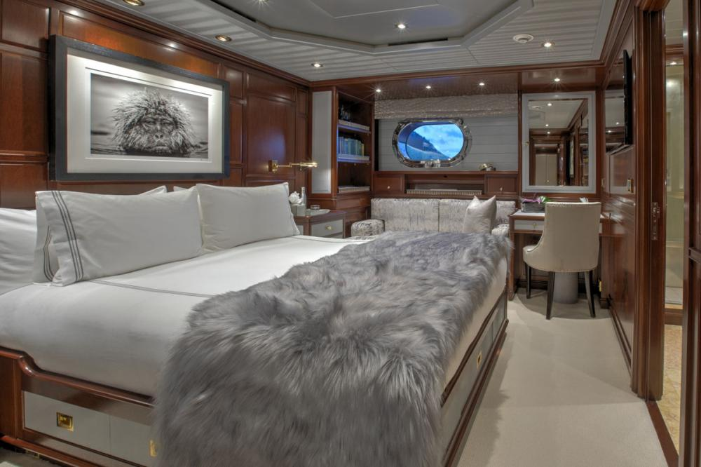 BLUSH - Luxury Sailing Yacht For Charter - 1 VIP CABIN - Img 1 | C&N