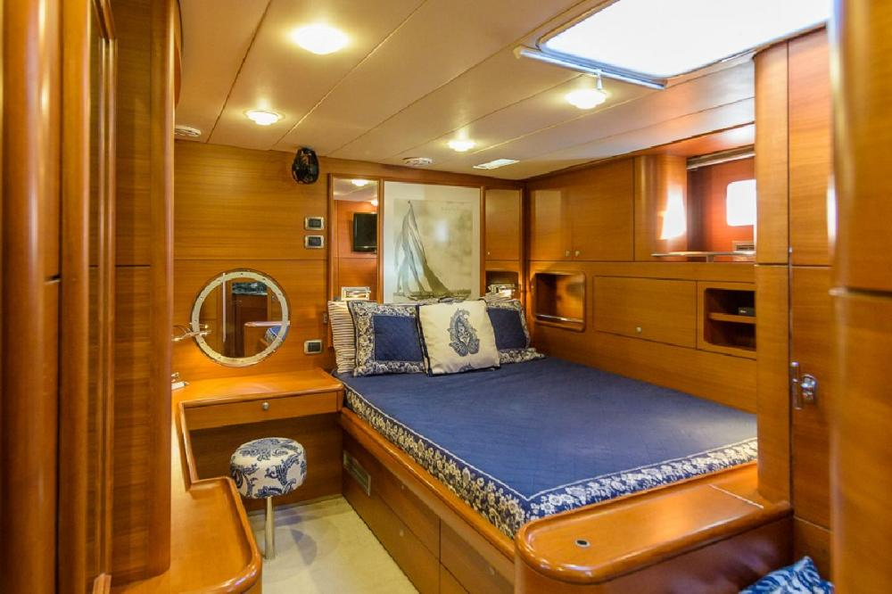 ZANZIBAR - Luxury Sailing Yacht For Sale - 1 MASTER CABIN | 2 GUEST CABINS - Img 5 | C&N