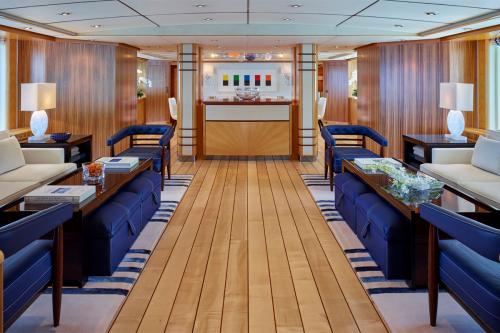 VICTORIA DEL MAR - Luxury Motor Yacht For Charter - Interior Design - Img 4 | C&N