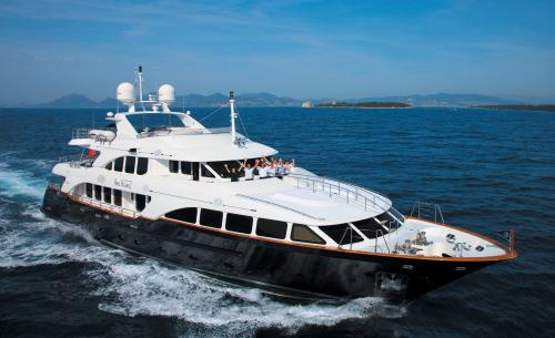 SEABLUE'Z - Luxury Motor Yacht for Charter | C&N