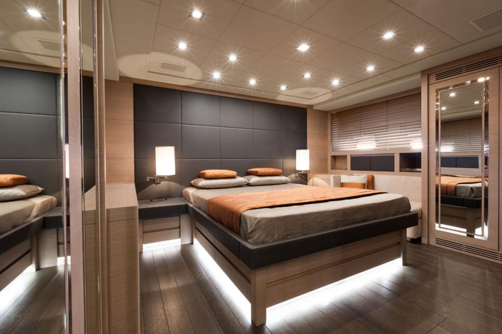 VEYRON - Luxury Motor Yacht For Charter - 2 DOUBLE CABINS / 1 TWIN CABIN - Img 1 | C&N
