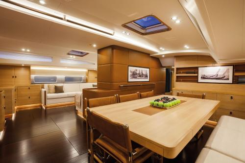 SHAMANNA - Luxury Sailing Yacht For Charter - Interior Design - Img 1 | C&N