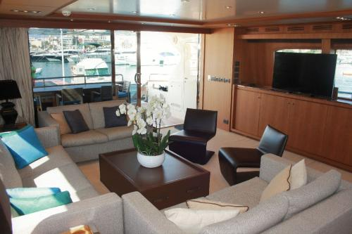 TAURUS - Luxury Motor Yacht For Sale - Interior Design - Img 2 | C&N