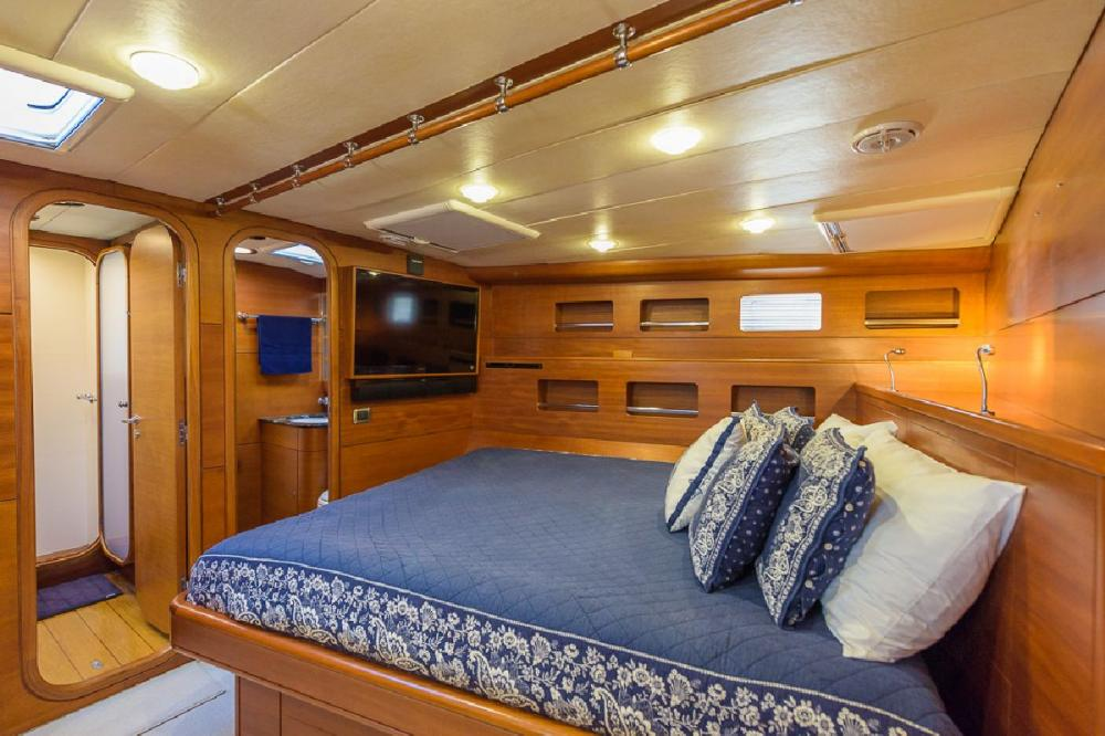 ZANZIBAR - Luxury Sailing Yacht For Sale - 1 MASTER CABIN | 2 GUEST CABINS - Img 2 | C&N