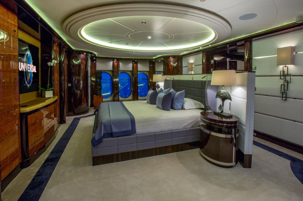 DREAM - Luxury Motor Yacht For Charter - Full Beam Master Suite - Img 1 | C&N