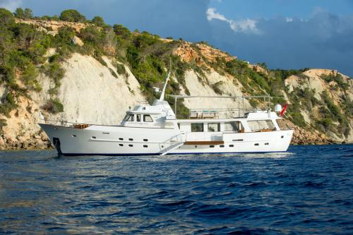 MONARA - Luxury Motor Yacht For Charter - Exterior Design - Img 2 | C&N