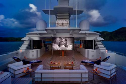 VICTORIA DEL MAR - Luxury Motor Yacht For Charter - Exterior Design - Img 2 | C&N